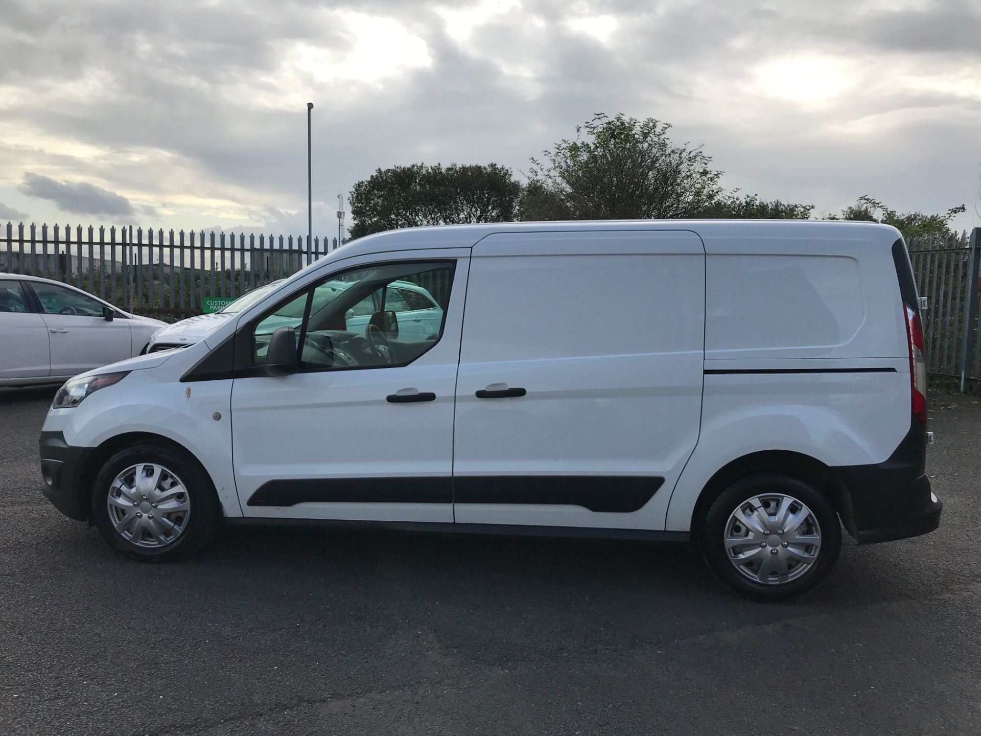 2016 Ford Transit Connect T210 L2 H1 1.5TDCI 100PS EURO 6, AIR CON (FC16YNZ) Image 11