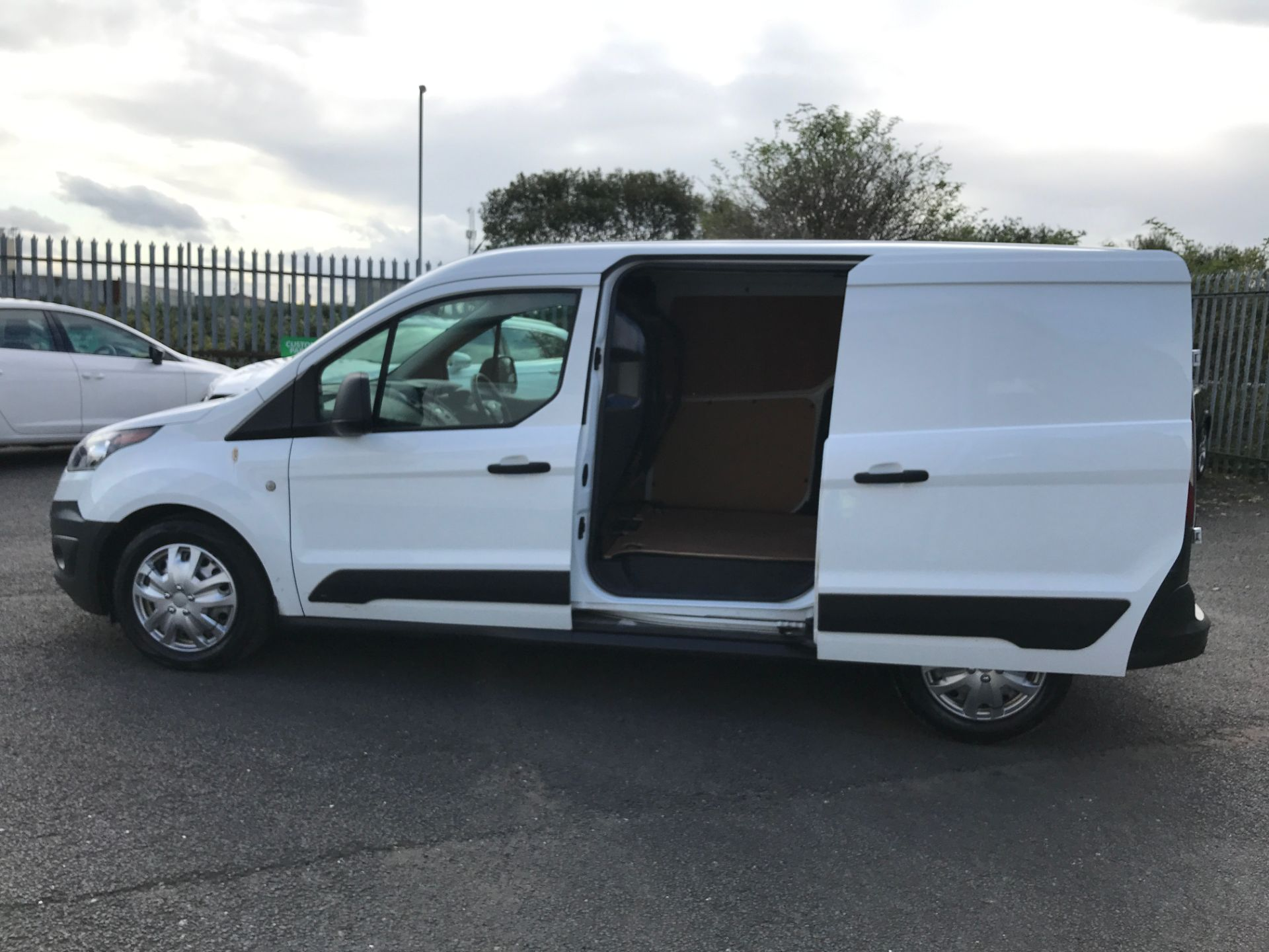2016 Ford Transit Connect T210 L2 H1 1.5TDCI 100PS EURO 6, AIR CON (FC16YNZ) Image 16