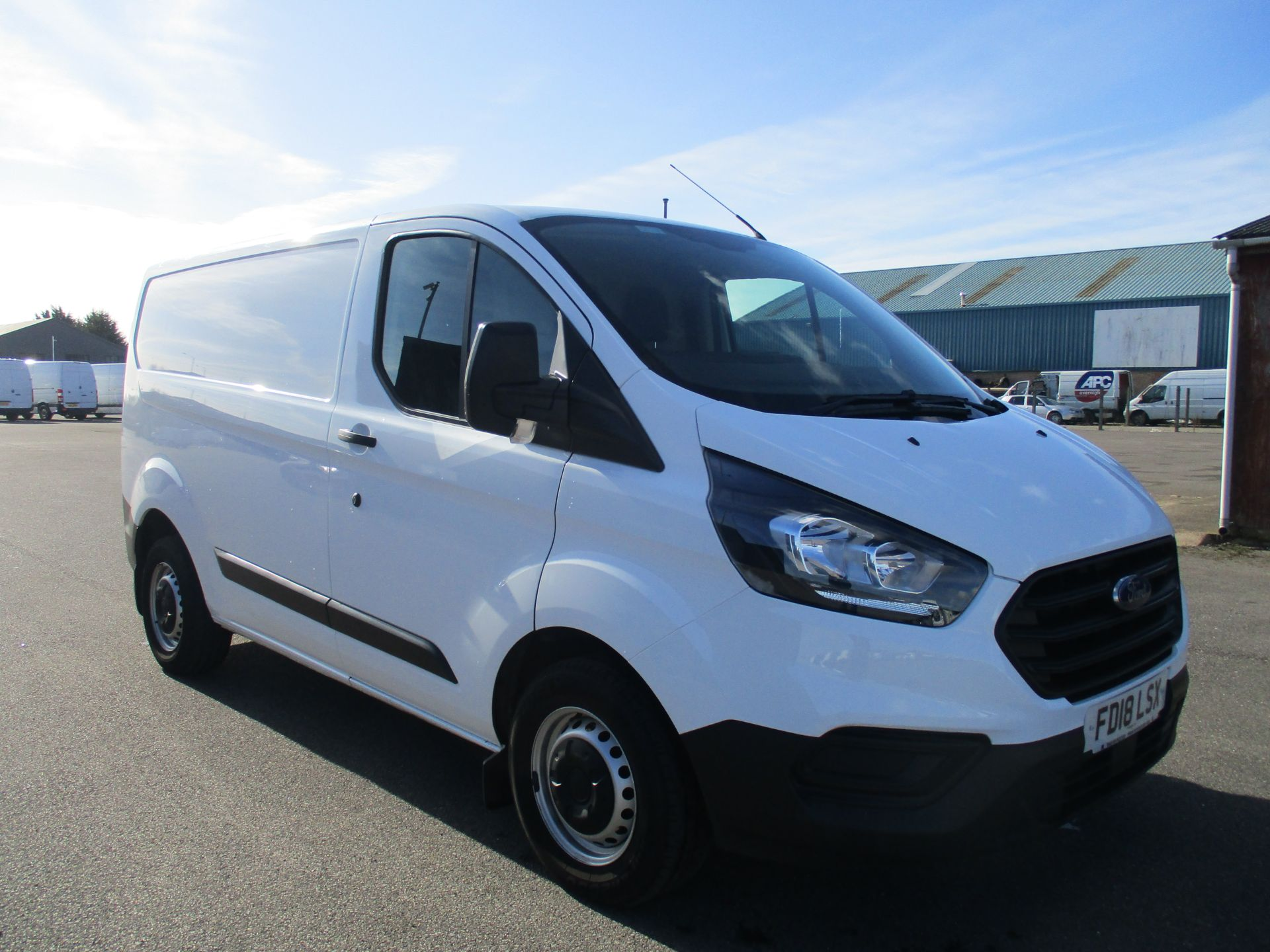 2018 Ford Transit Custom 300 L1 DIESEL FWD 2.0 TDCI 105PS LOW ROOF VAN EURO 6 (FD18LSX)