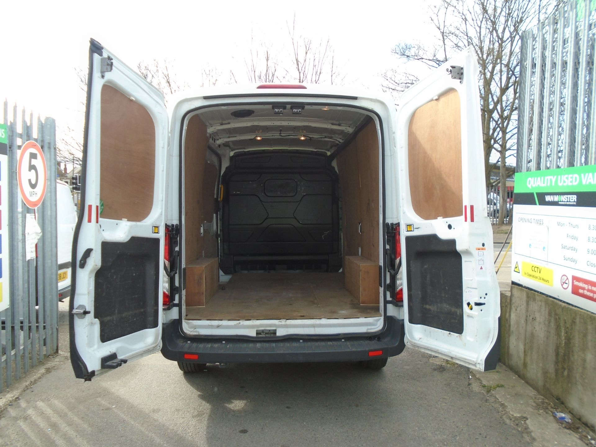 2018 Ford Transit 2.0 Tdci 130Ps H2 Van (FD18LTX) Image 10