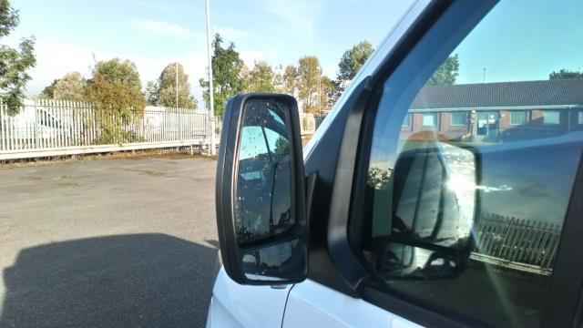 2018 Ford Transit Custom 2.0 Tdci 105Ps Low Roof Van (FD18LYO) Image 13