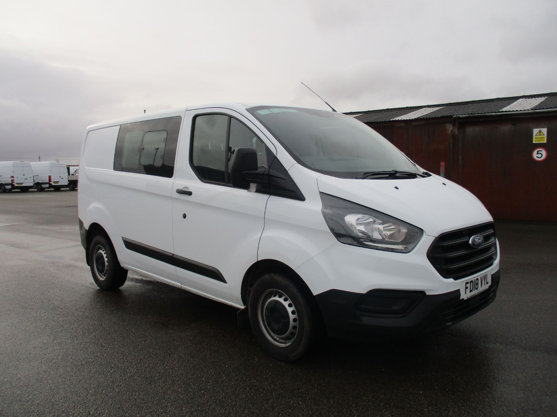 2018 Ford Transit Custom 300 L1 DIESEL FWD 2.0 TDCI 105PS LOW ROOF D/CAB VAN EURO 6 (FD18VYL)