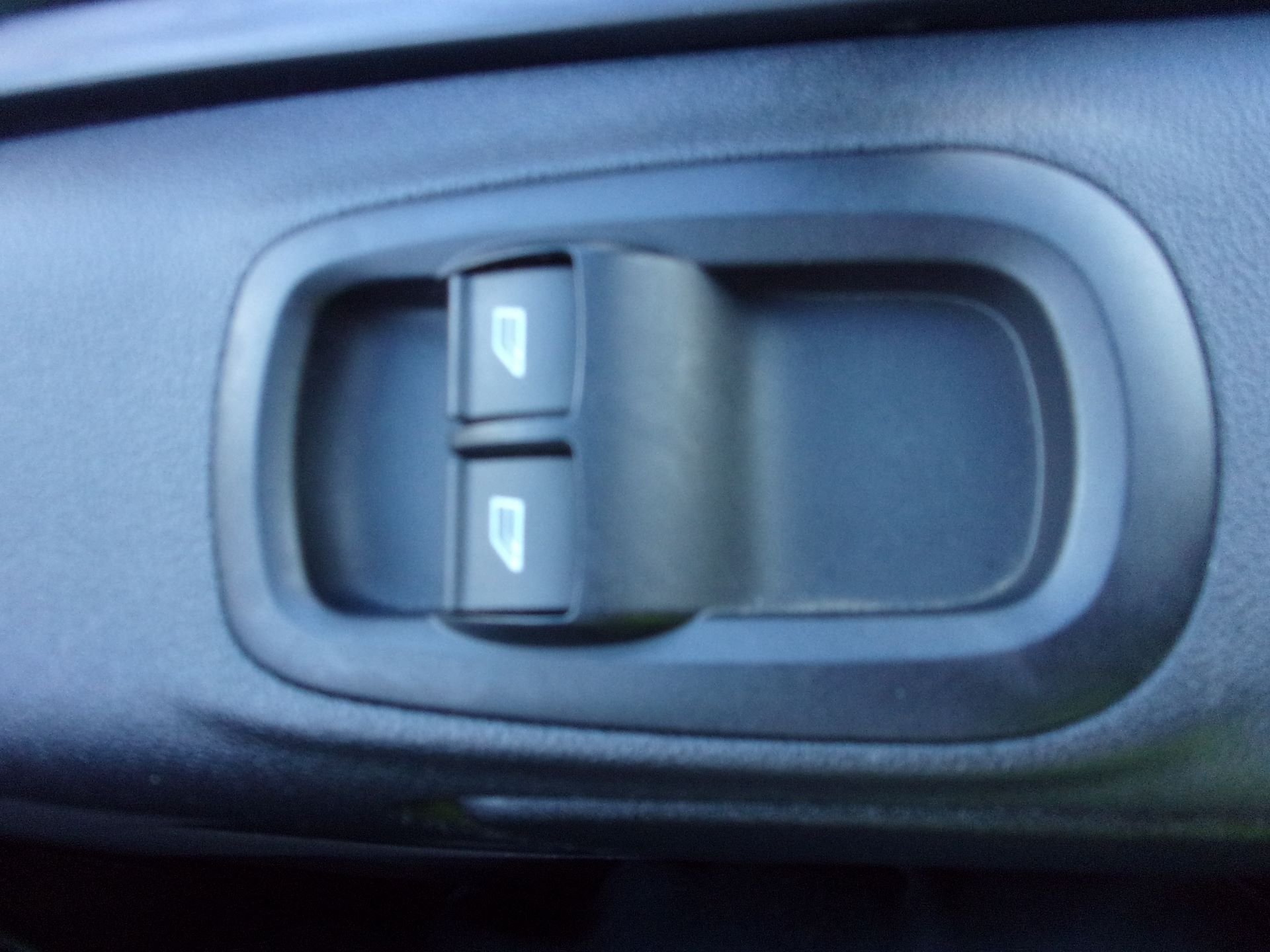 2018 Ford Transit Custom 300 L1 DIESEL FWD 2.0 TDCI 105PS LOW ROOF VAN EURO 6 (FD18VZC) Image 7