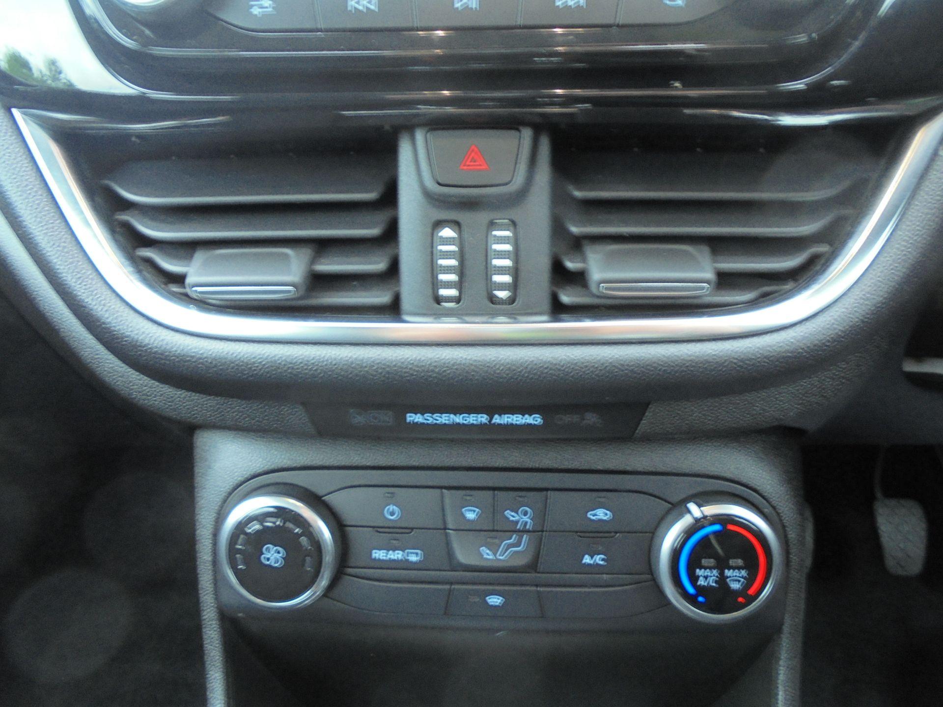 2018 Ford Fiesta 1.5 Tdci Zetec 5Dr (FD18WHU) Image 14