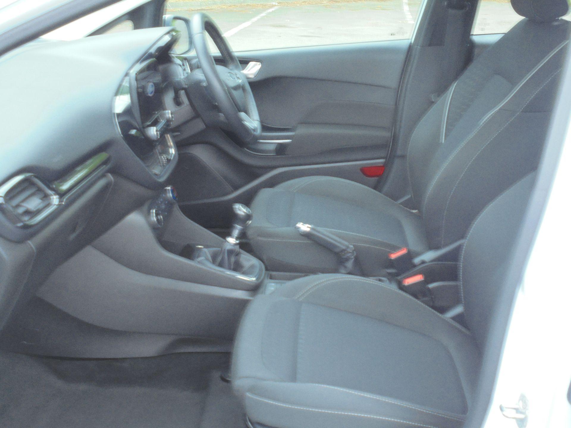 2018 Ford Fiesta 1.5 Tdci Zetec 5Dr (FD18WHU) Image 5