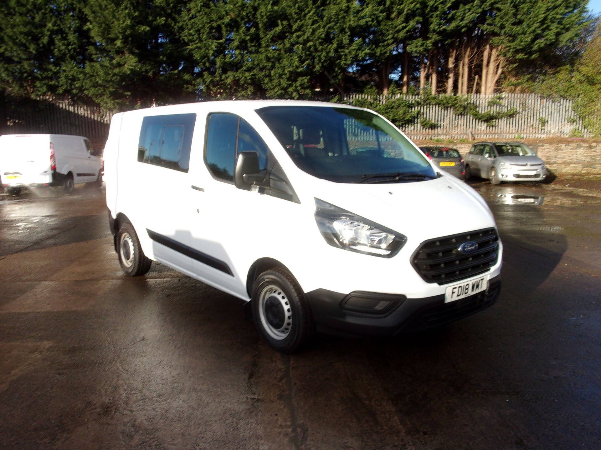 2018 Ford Transit Custom 300 L1 DIESEL FWD 2.0 TDCI 105PS LOW ROOF DOUBLE CAB VAN EURO 6 (FD18WMT)