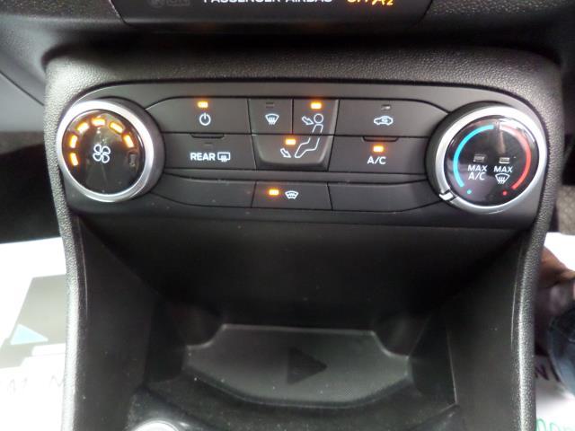2018 Ford Fiesta 1.5 Tdci Zetec 5Dr (FD18WNU) Image 13