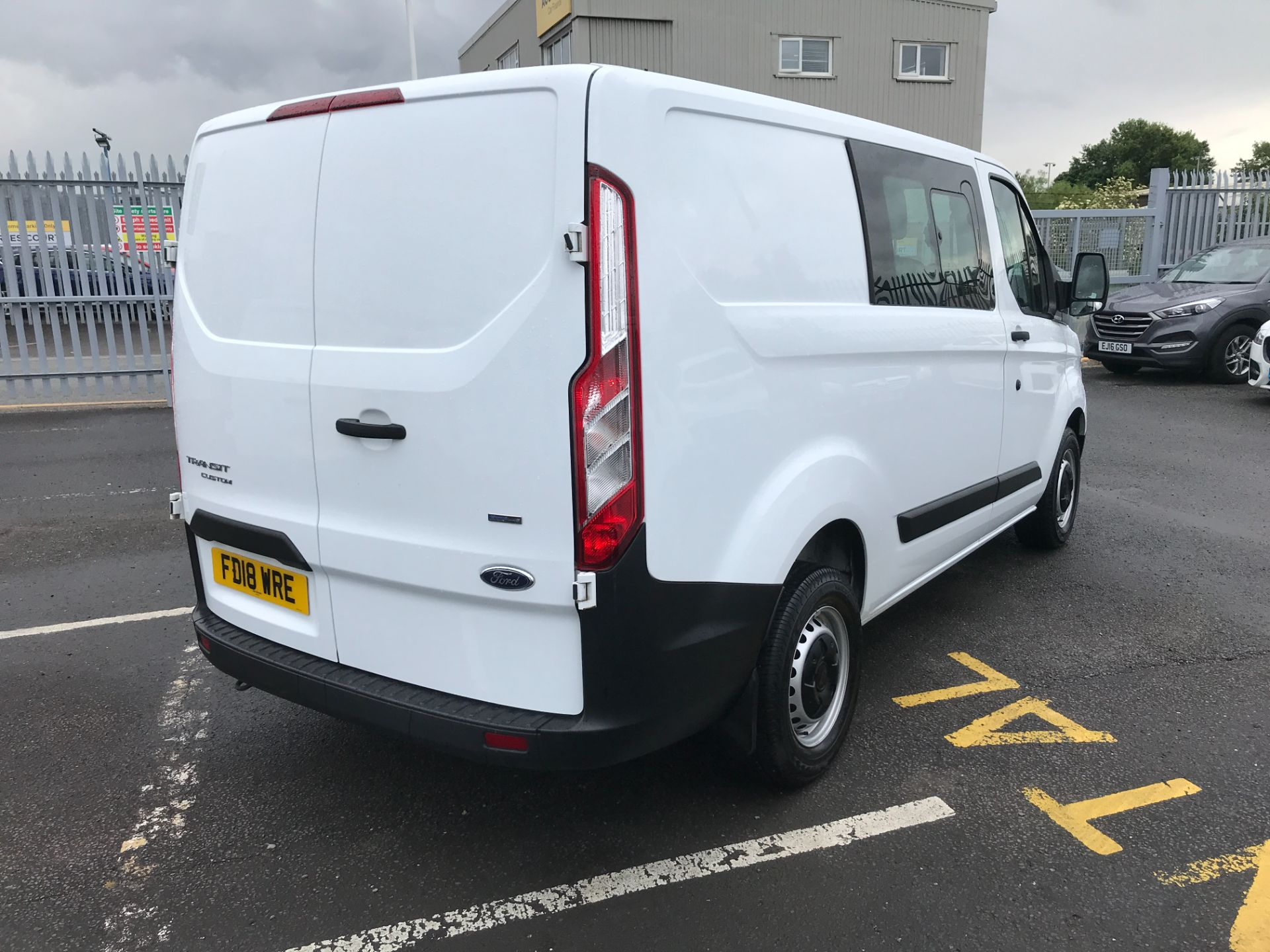 2018 Ford Transit Custom 300 L1 2.0TDCI 105PS LOW ROOF EURO 6 DOUBLE CAB (FD18WRE) Image 13
