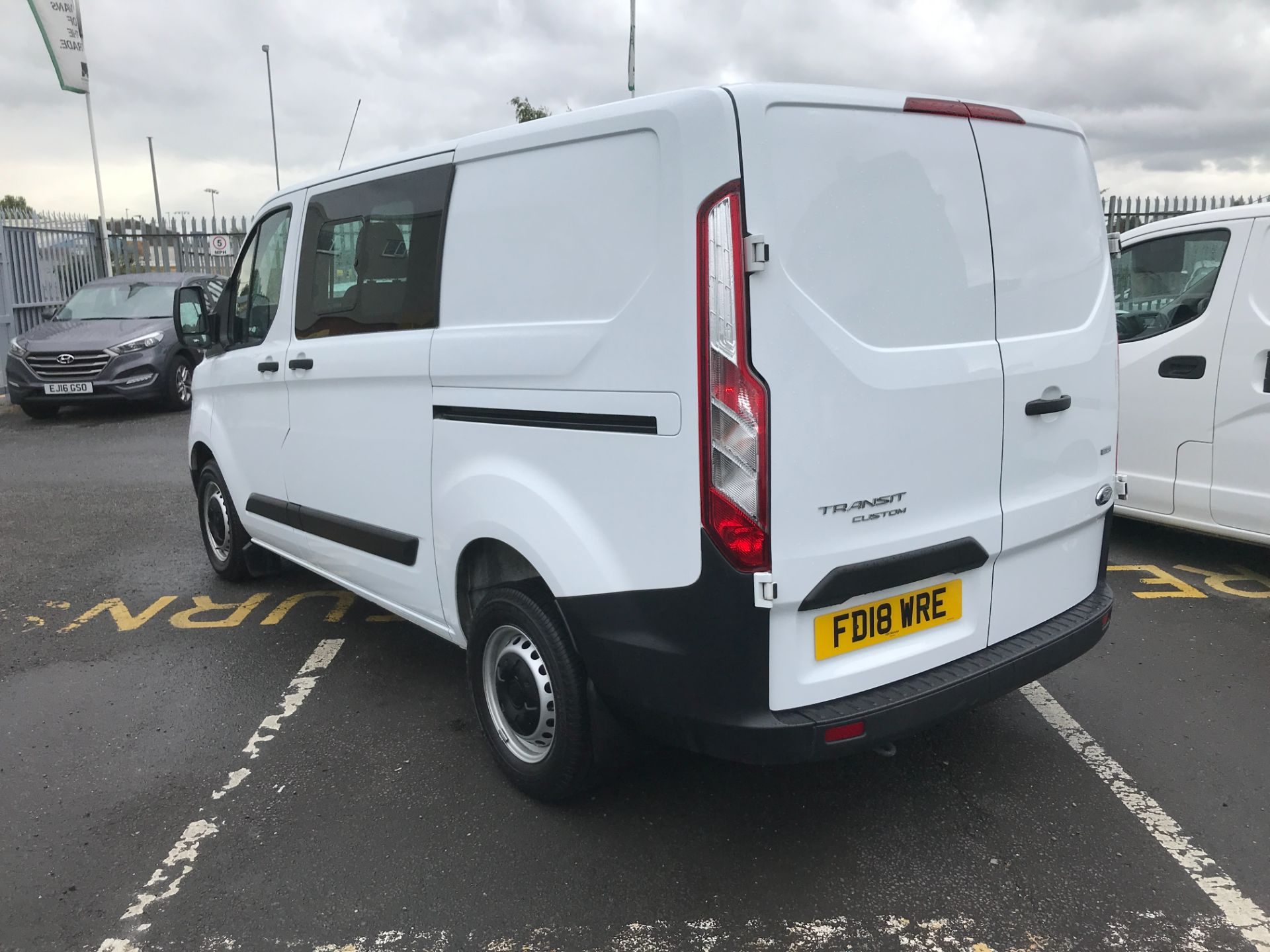 2018 Ford Transit Custom 300 L1 2.0TDCI 105PS LOW ROOF EURO 6 DOUBLE CAB (FD18WRE) Image 8