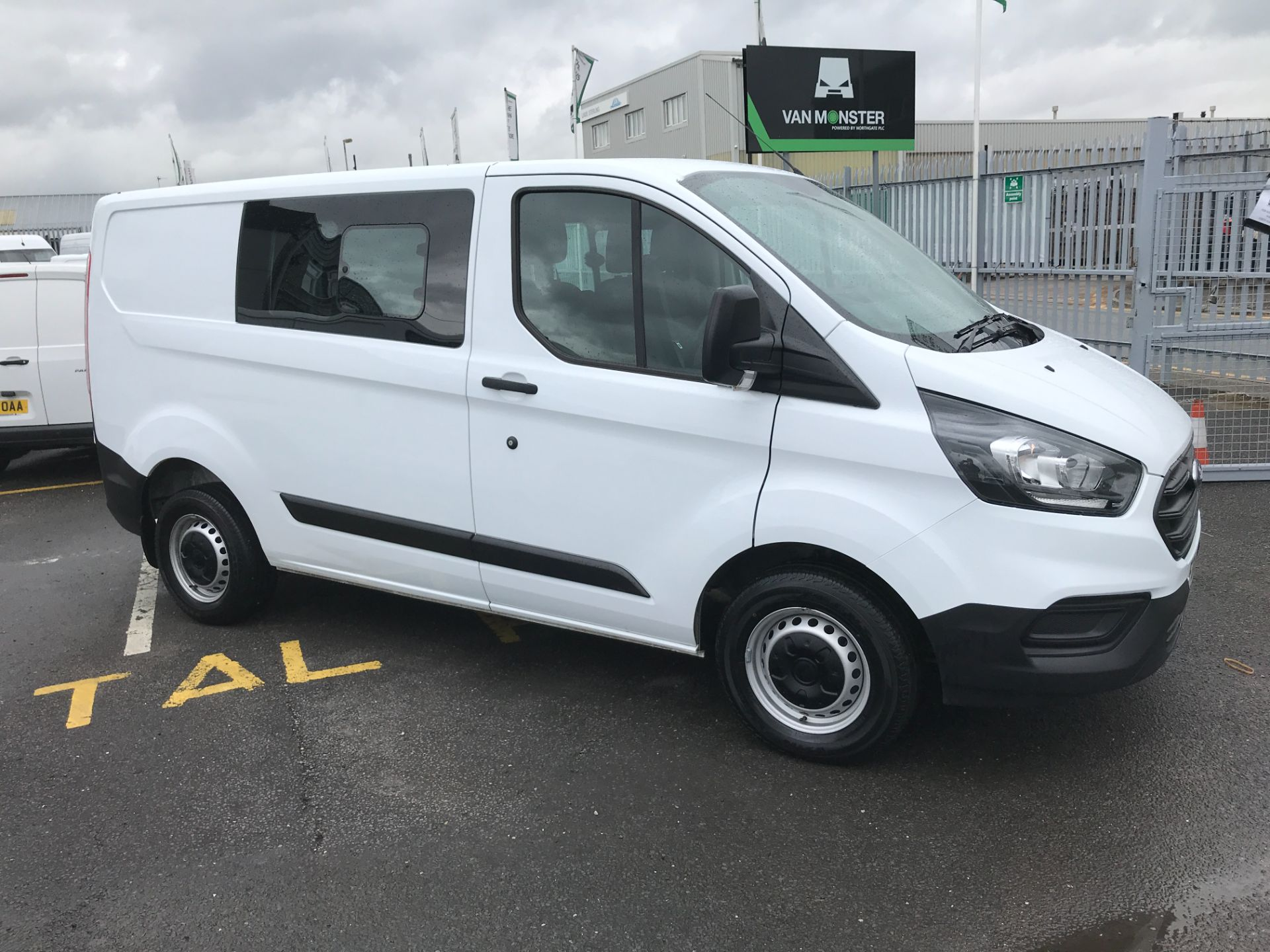 2018 Ford Transit Custom 300 L1 2.0TDCI 105PS LOW ROOF EURO 6 DOUBLE CAB (FD18WRE) Image 14