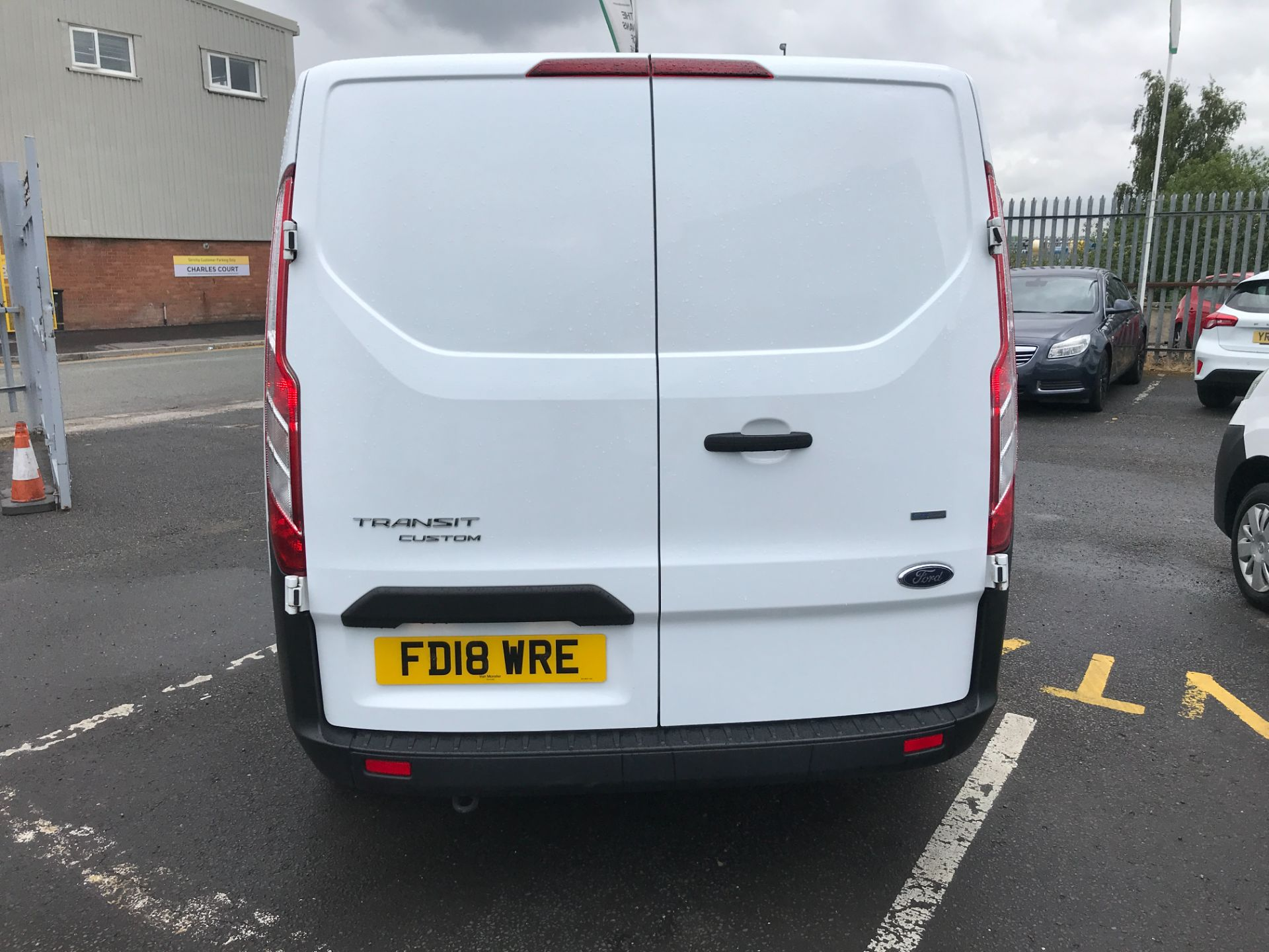 2018 Ford Transit Custom 300 L1 2.0TDCI 105PS LOW ROOF EURO 6 DOUBLE CAB (FD18WRE) Image 9
