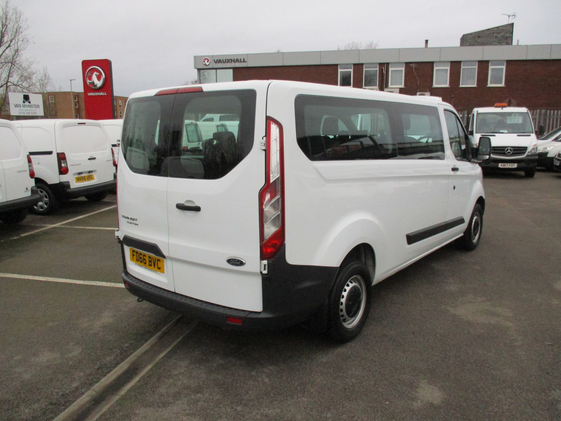 2016 Ford Transit Custom 2.0 Tdci 105Ps Low Roof Kombi Van (FD66BVC) Image 3