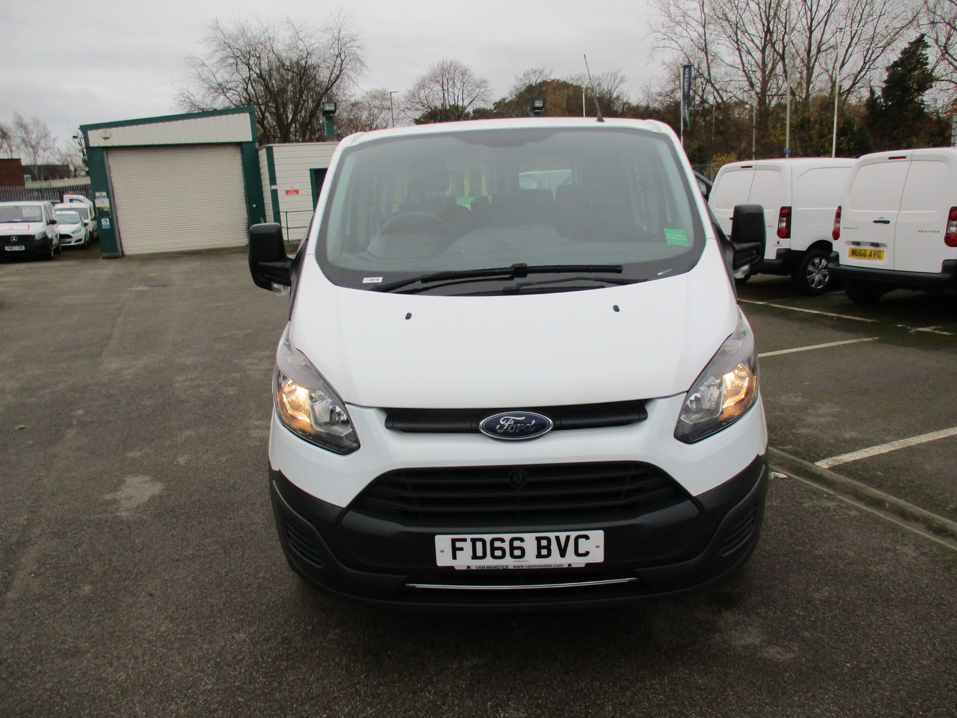 2016 Ford Transit Custom 2.0 Tdci 105Ps Low Roof Kombi Van (FD66BVC) Image 10