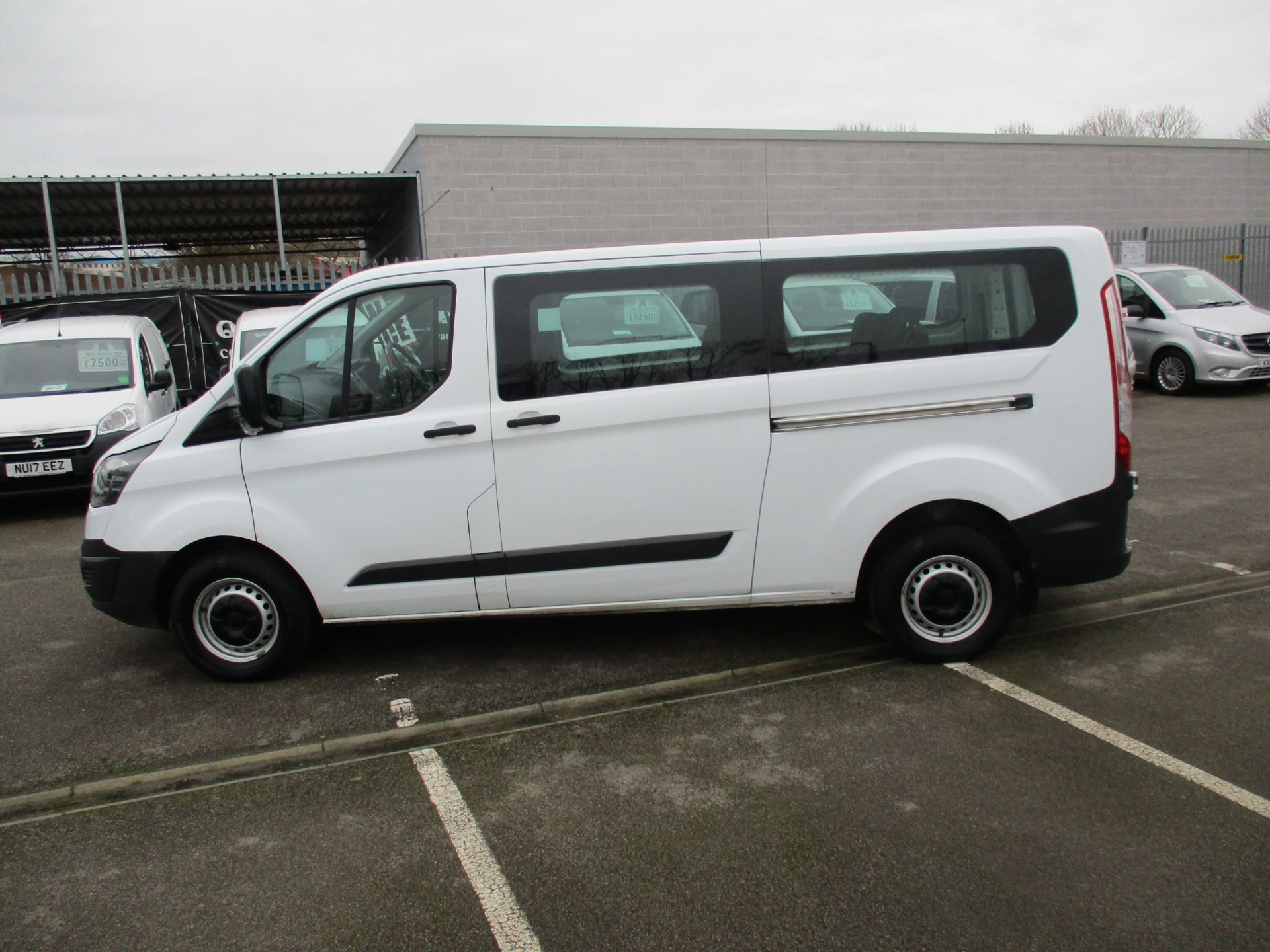 2016 Ford Transit Custom 2.0 Tdci 105Ps Low Roof Kombi Van (FD66BVC) Image 7