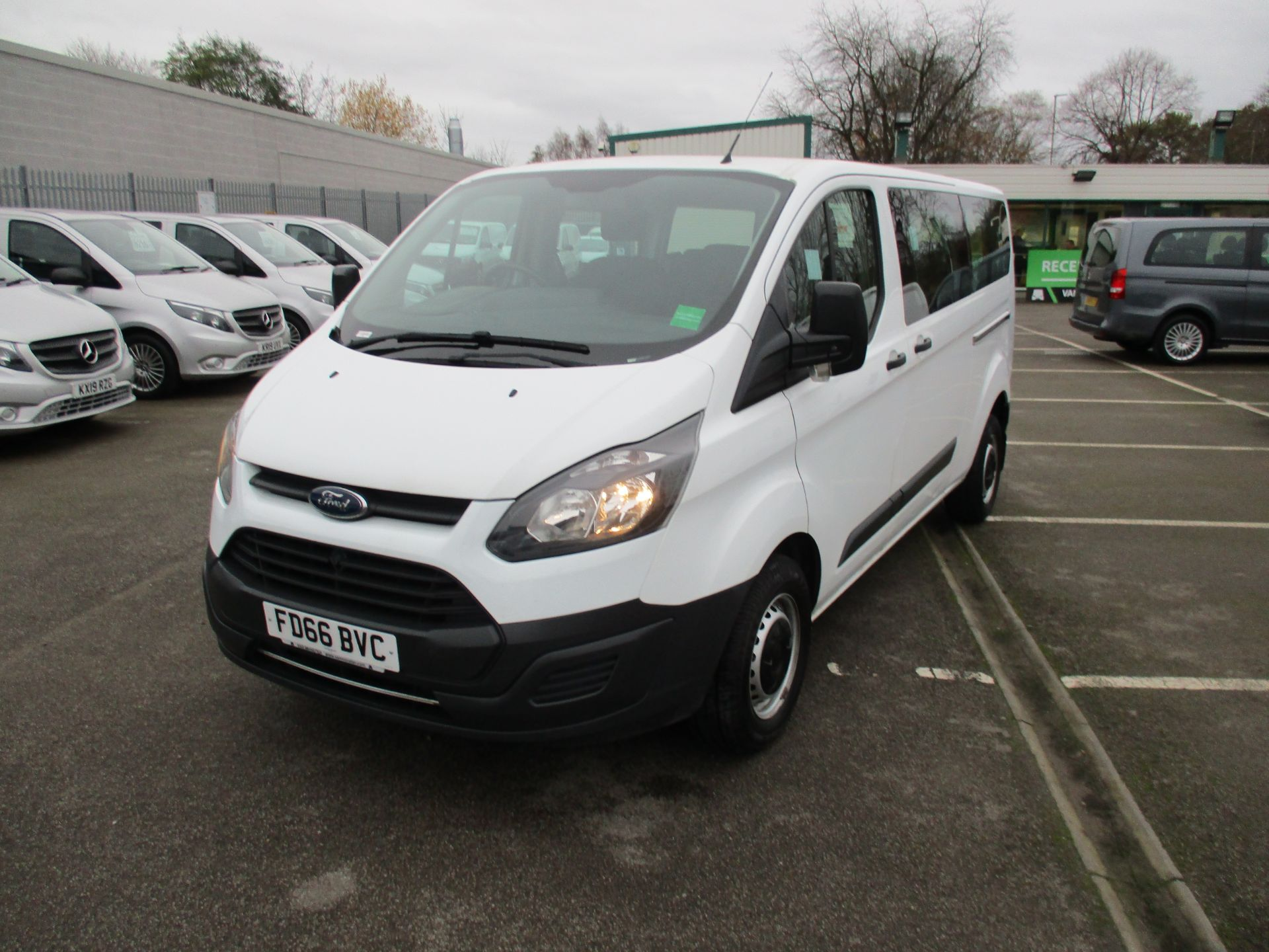 2016 Ford Transit Custom 2.0 Tdci 105Ps Low Roof Kombi Van (FD66BVC) Image 9