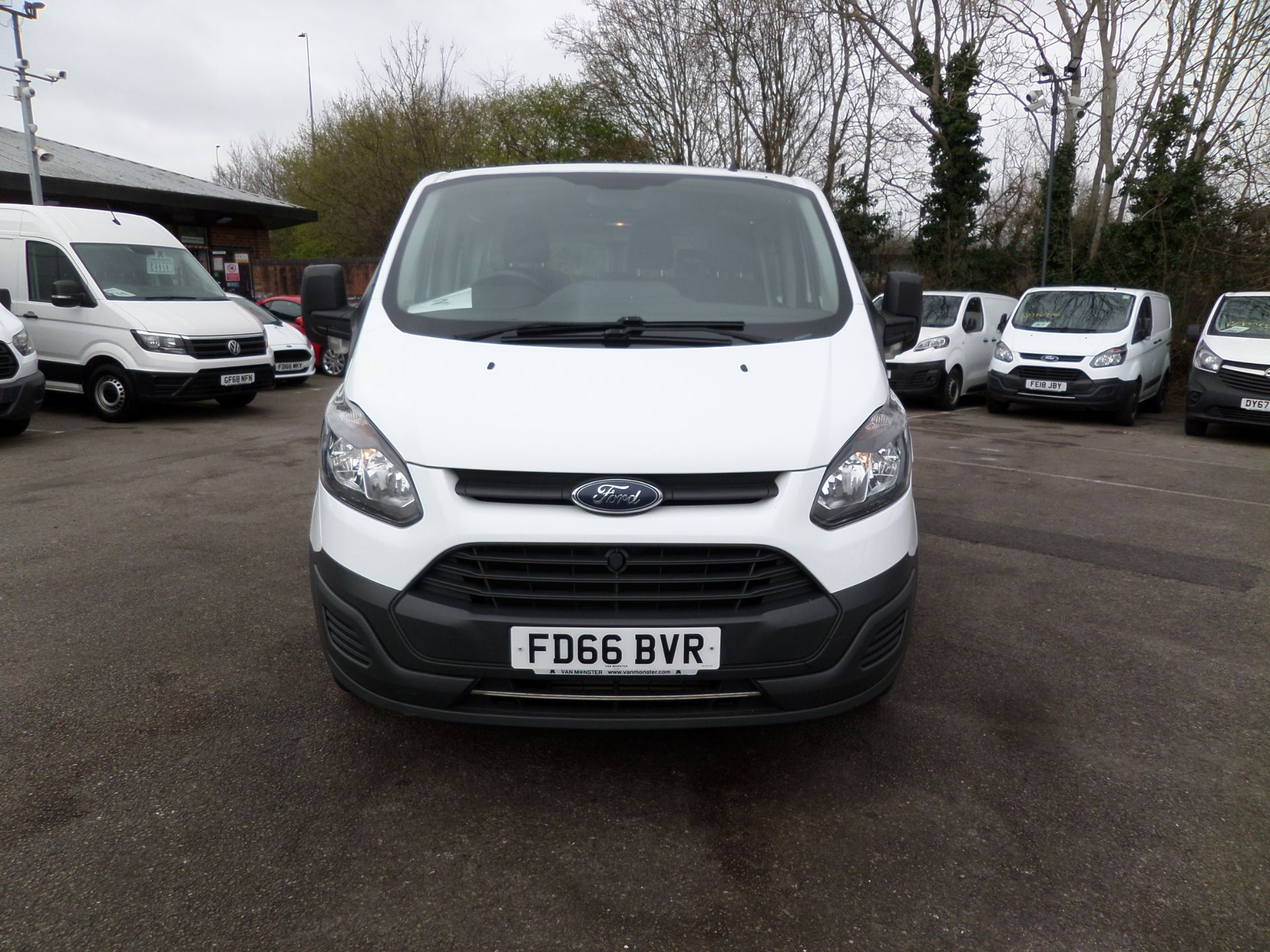 2016 Ford Transit Custom 2.0 Tdci 130Ps Low Roof Kombi Van Euro 6 (FD66BVR) Image 10