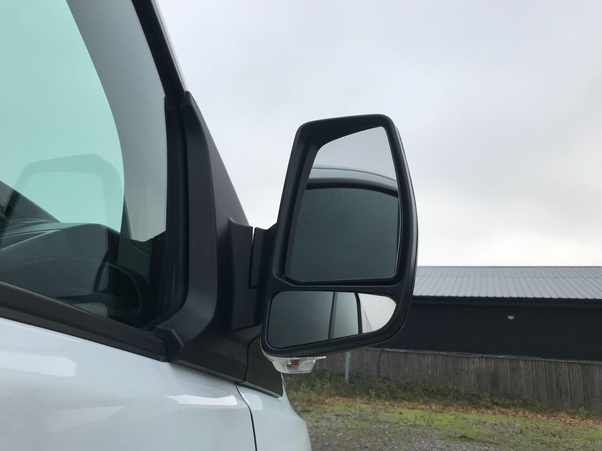 2016 Ford Transit Custom 2.0 Tdci 130Ps Low Roof Kombi Van Euro 6 (FD66BVU) Image 13