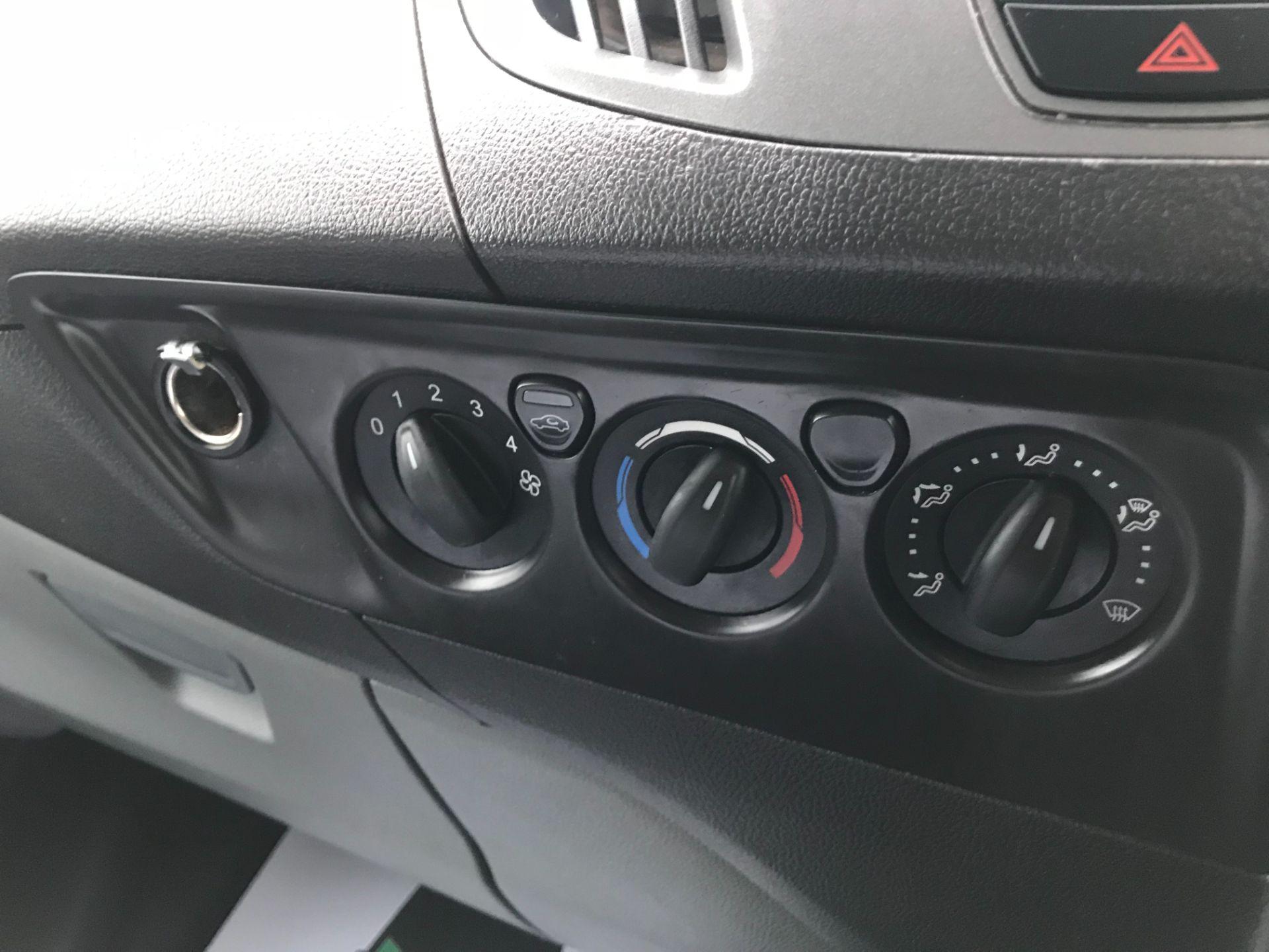 2016 Ford Transit Custom 2.0 Tdci 130Ps Low Roof Kombi Van Euro 6 (FD66BVU) Image 29