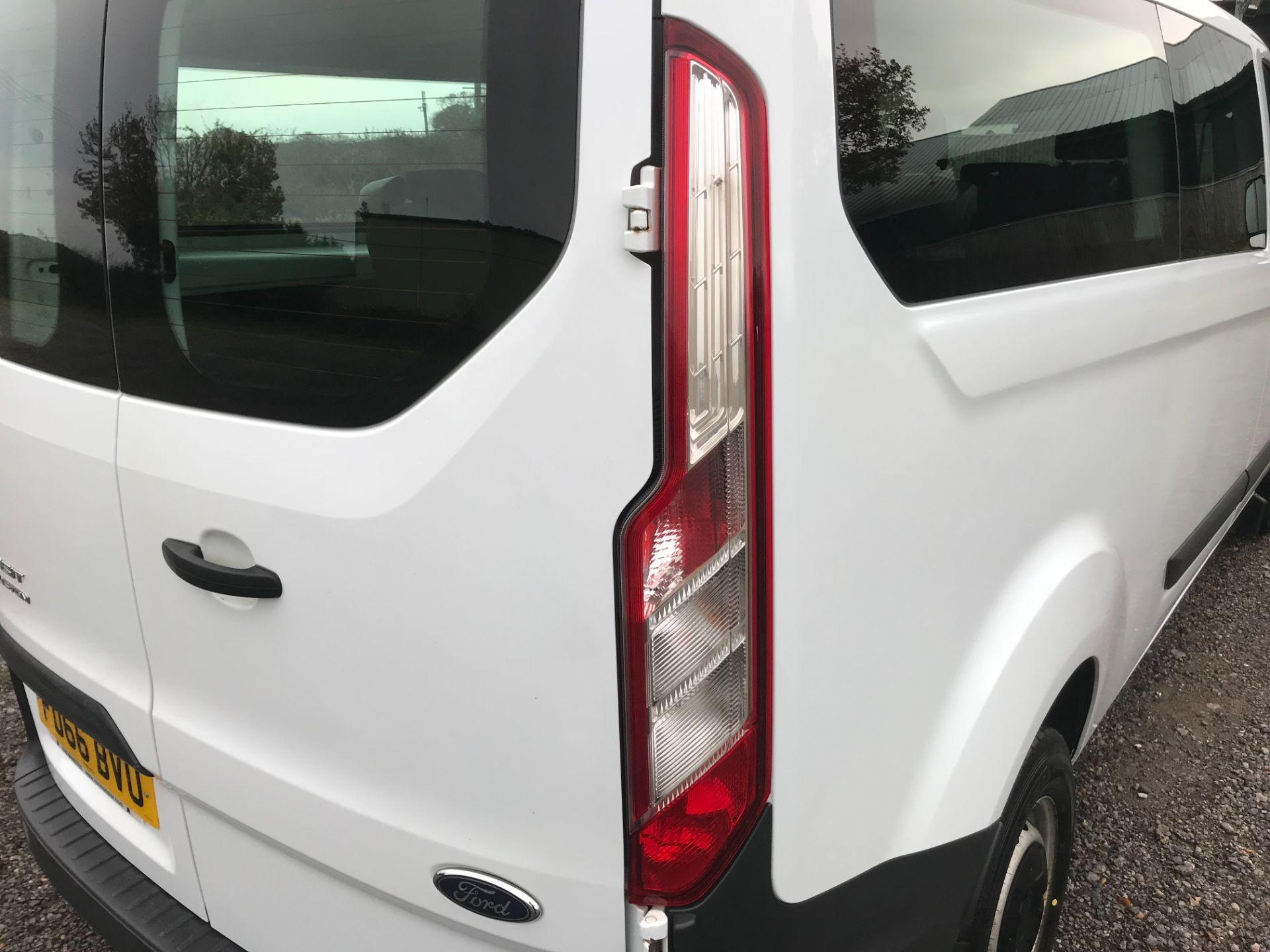 2016 Ford Transit Custom 2.0 Tdci 130Ps Low Roof Kombi Van Euro 6 (FD66BVU) Image 17