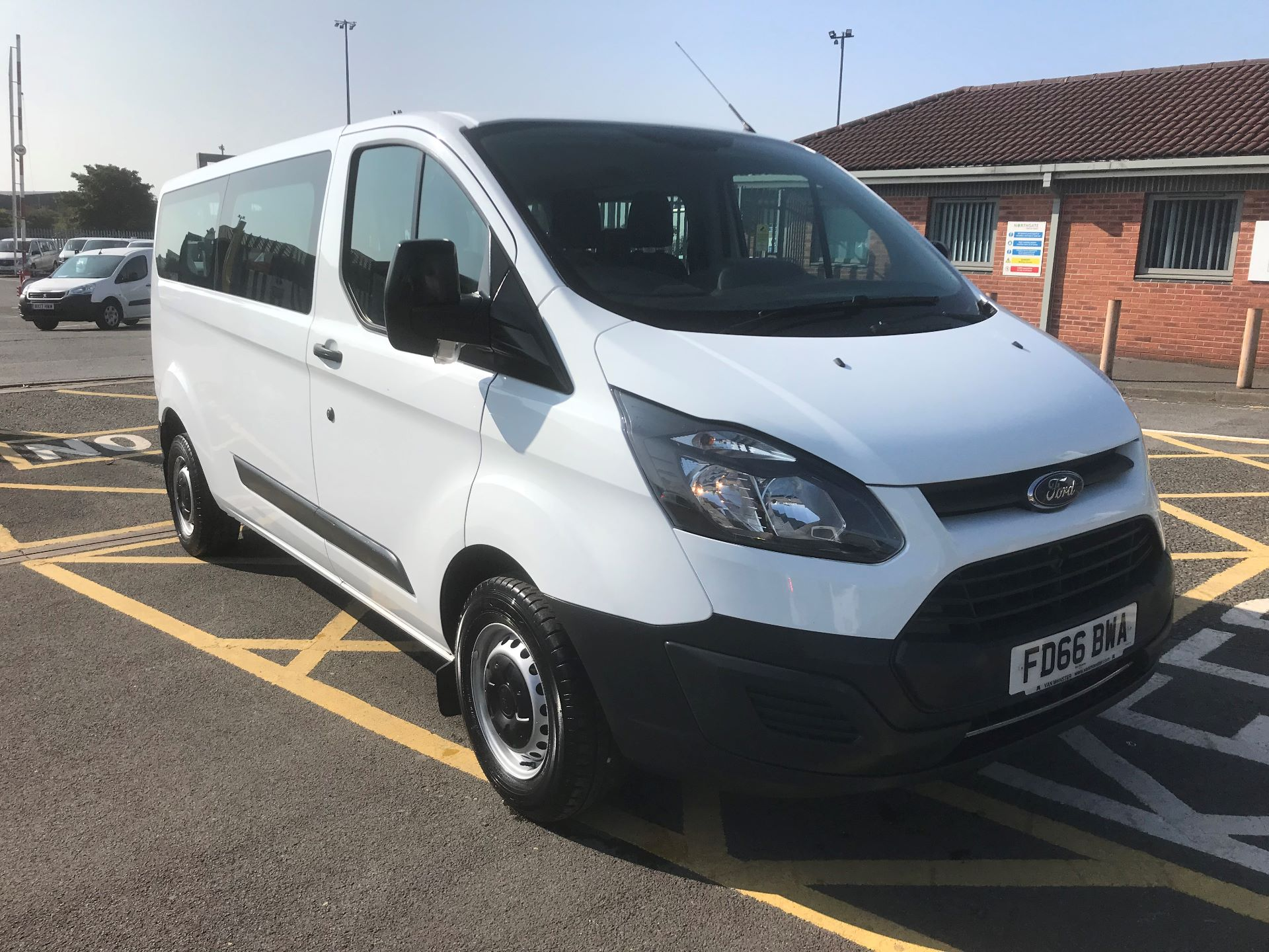 2016 Ford Transit Custom 2.0 Tdci 130Ps Low Roof Kombi Van (FD66BWA)