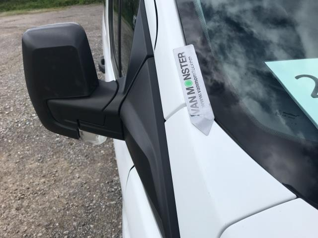 2016 Ford Transit Custom  310  L2  LOW ROOF  KOMBI 130PS EURO 6 (FD66BWJ) Image 42