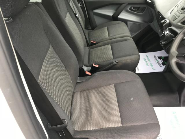 2016 Ford Transit Custom  310  L2  LOW ROOF  KOMBI 130PS EURO 6 (FD66BWJ) Image 27