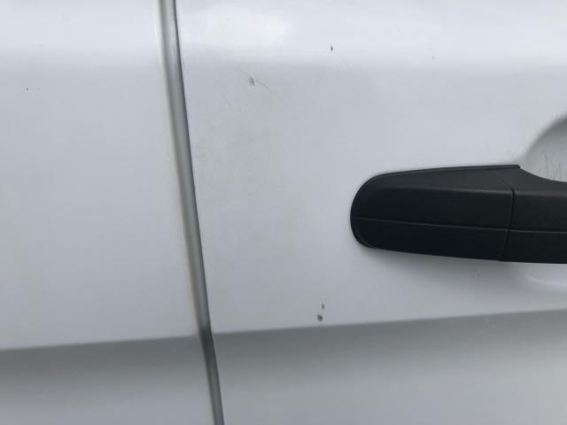 2016 Ford Transit Custom  310  L2  LOW ROOF  KOMBI 130PS EURO 6 (FD66BWJ) Image 53