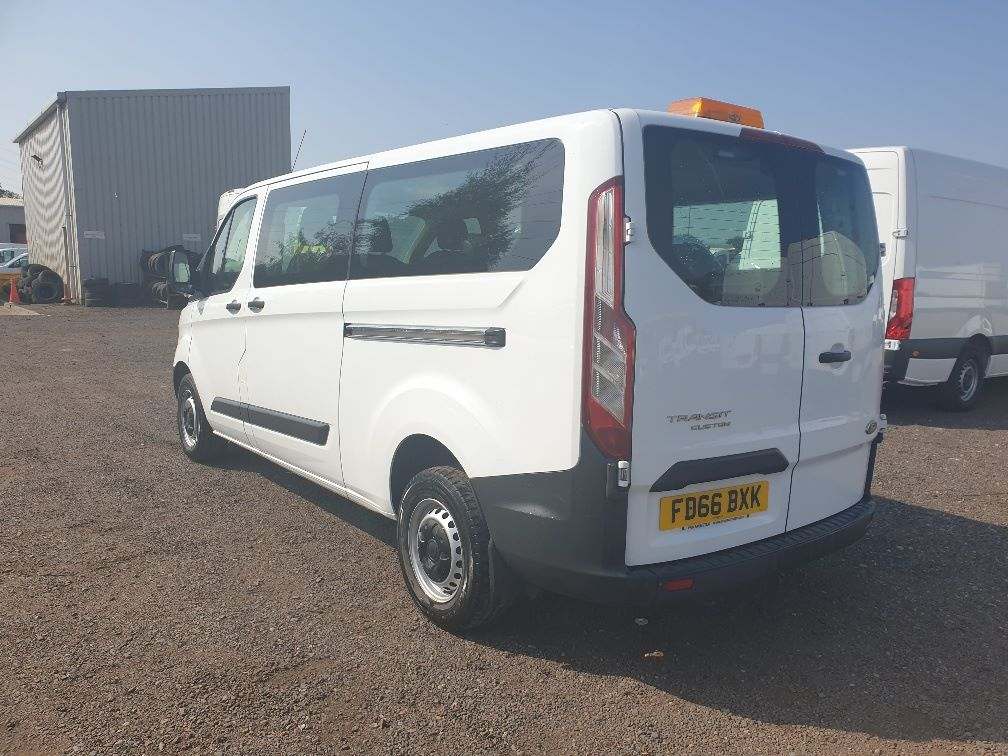 2016 Ford Transit Custom 310 L2 DIESEL FWD 2.0 TDCI 105PS LOW ROOF KOMBI VAN (FD66BXK) Thumbnail 8
