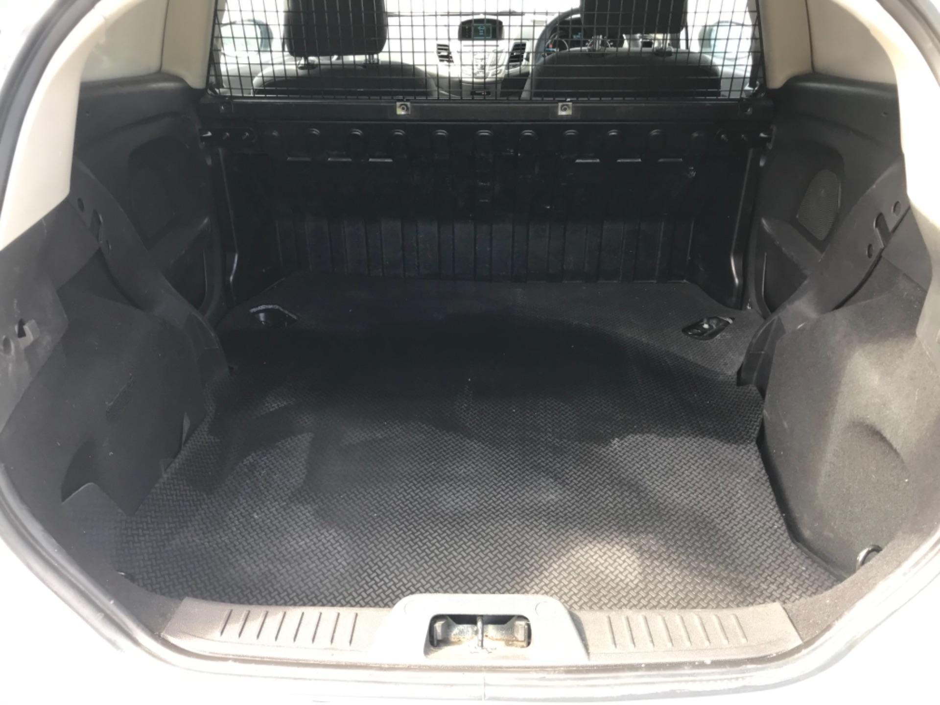 2016 Ford Fiesta  DIESEL 1.5 TDCI VAN EURO 6 (FD66KZX) Image 11