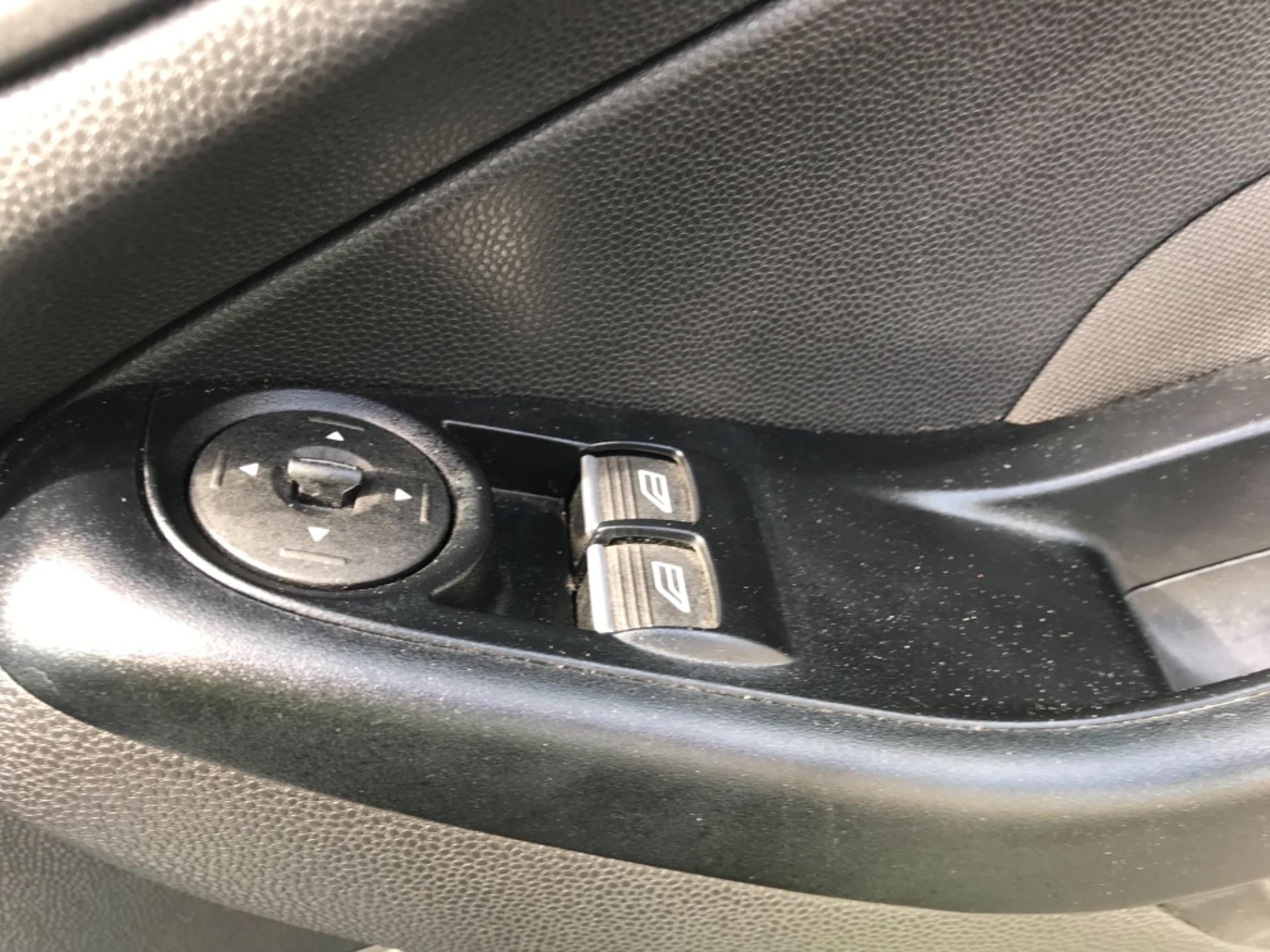 2016 Ford Fiesta  DIESEL 1.5 TDCI VAN EURO 6 (FD66KZX) Image 23