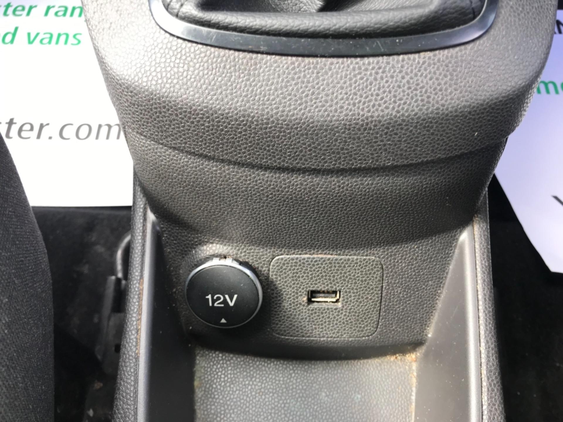 2016 Ford Fiesta  DIESEL 1.5 TDCI VAN EURO 6 (FD66KZX) Image 20