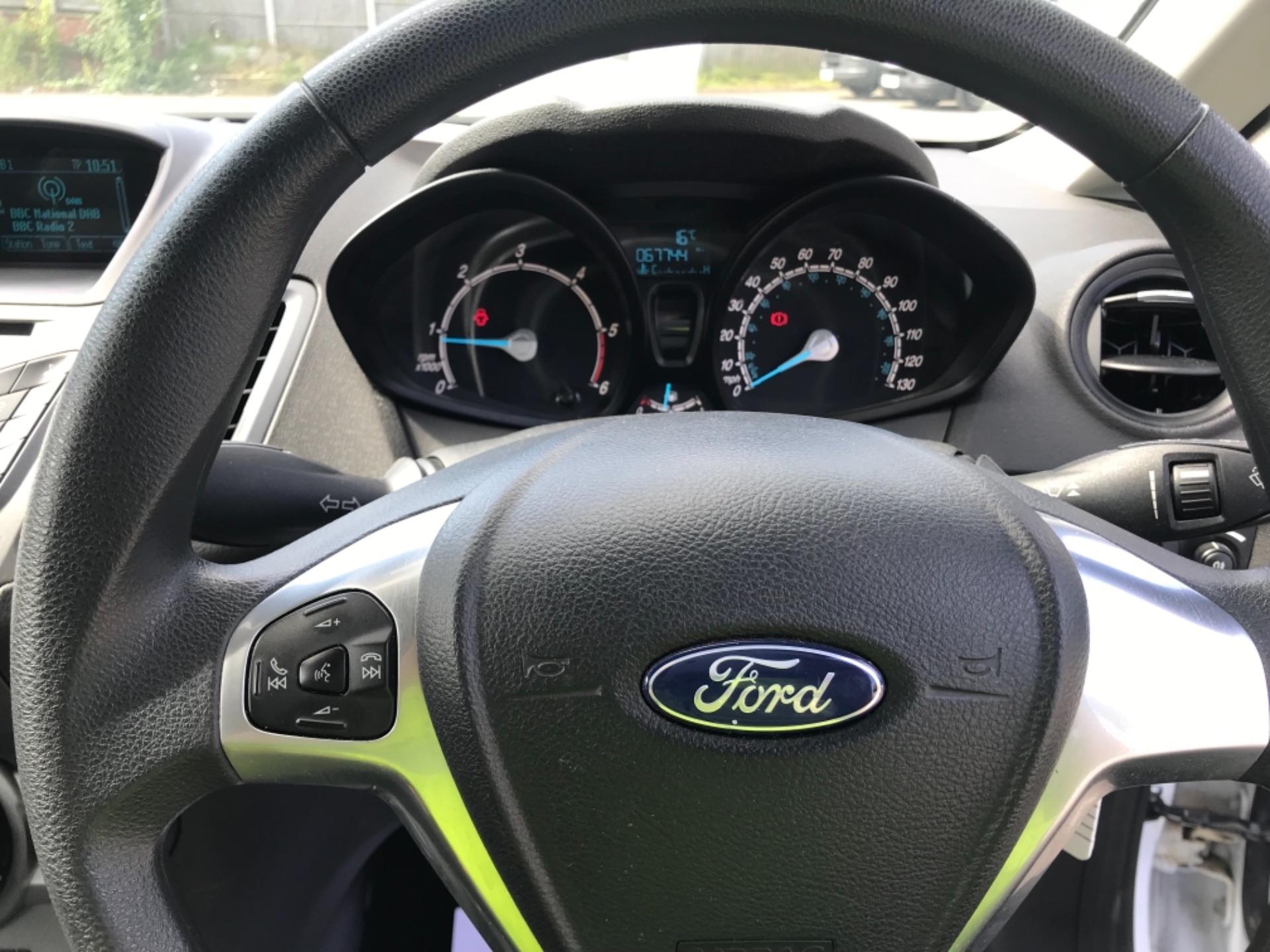 2016 Ford Fiesta  DIESEL 1.5 TDCI VAN EURO 6 (FD66KZX) Image 12
