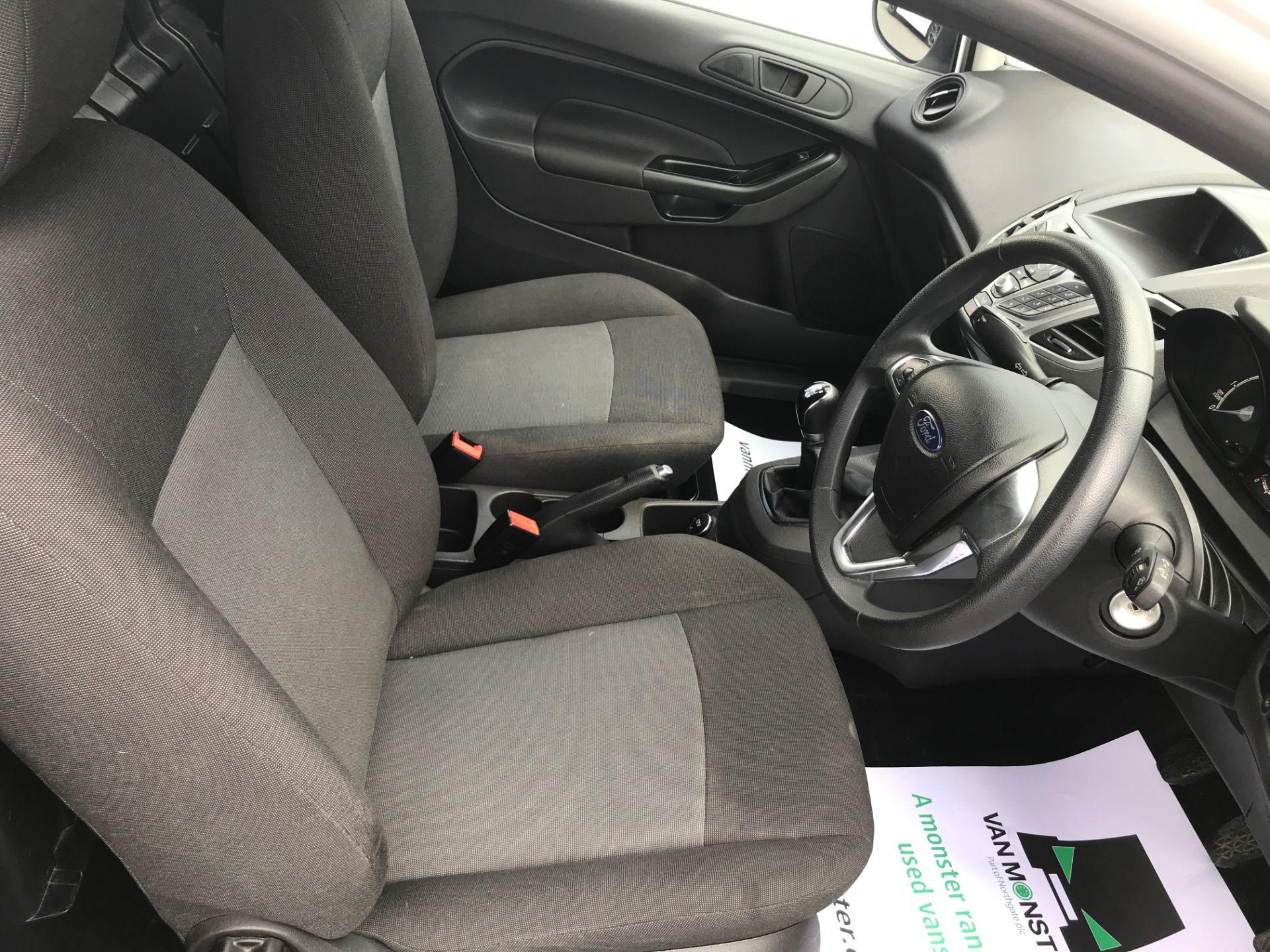 2016 Ford Fiesta 1.5TDCI 75PS EURO 6, AIR CON (FD66LBA) Image 11