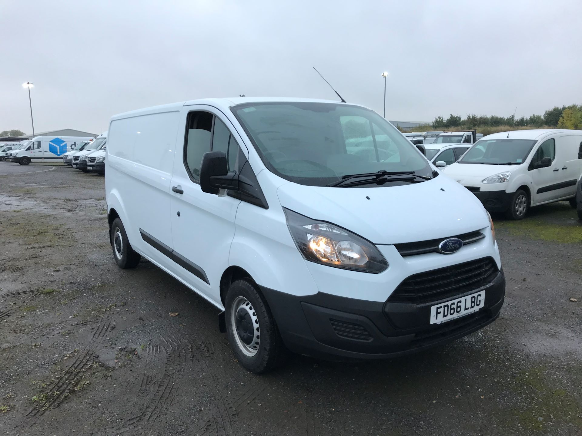 2016 Ford Transit Custom 2.0 Tdci 105Ps Low Roof Van (FD66LBG)