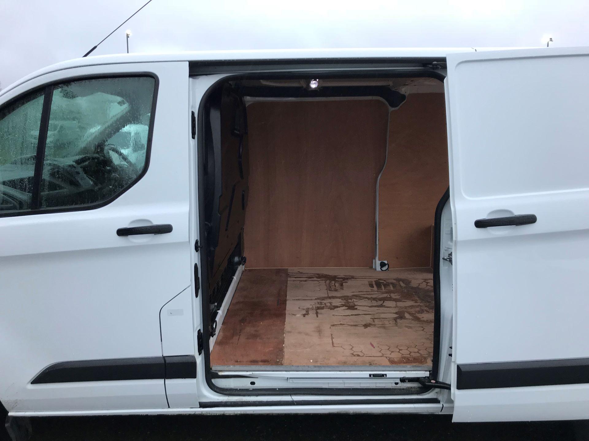 2016 Ford Transit Custom 2.0 Tdci 105Ps Low Roof Van (FD66LBG) Image 17