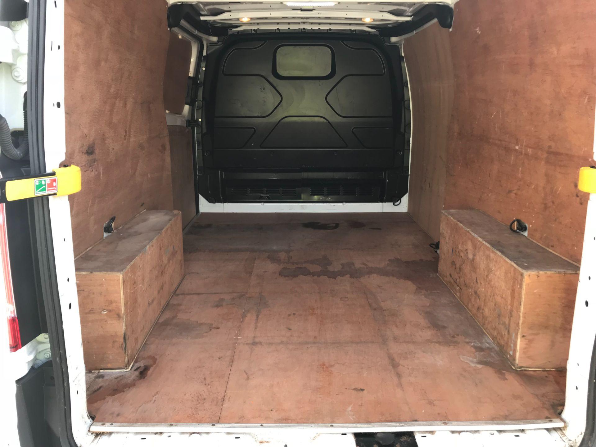 2016 Ford Transit Custom  290 L2 DIESEL FWD 2.0 TDCI 105PS LOW ROOF VAN EURO 6 (FD66LFY) Image 12