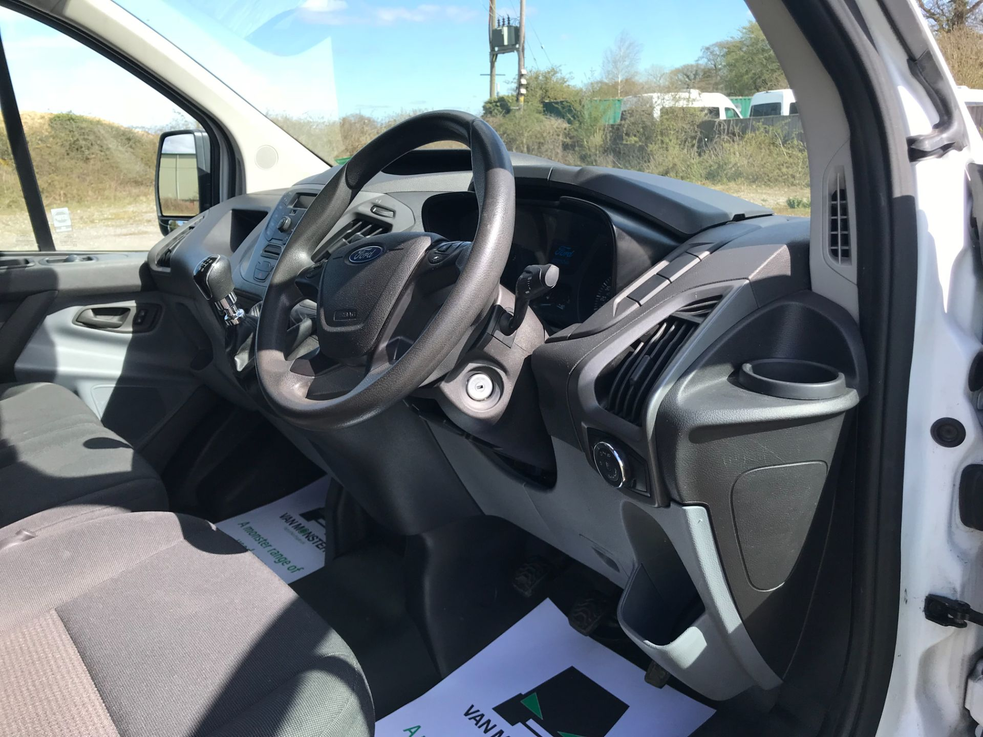 2016 Ford Transit Custom  290 L2 DIESEL FWD 2.0 TDCI 105PS LOW ROOF VAN EURO 6 (FD66LFY) Image 19