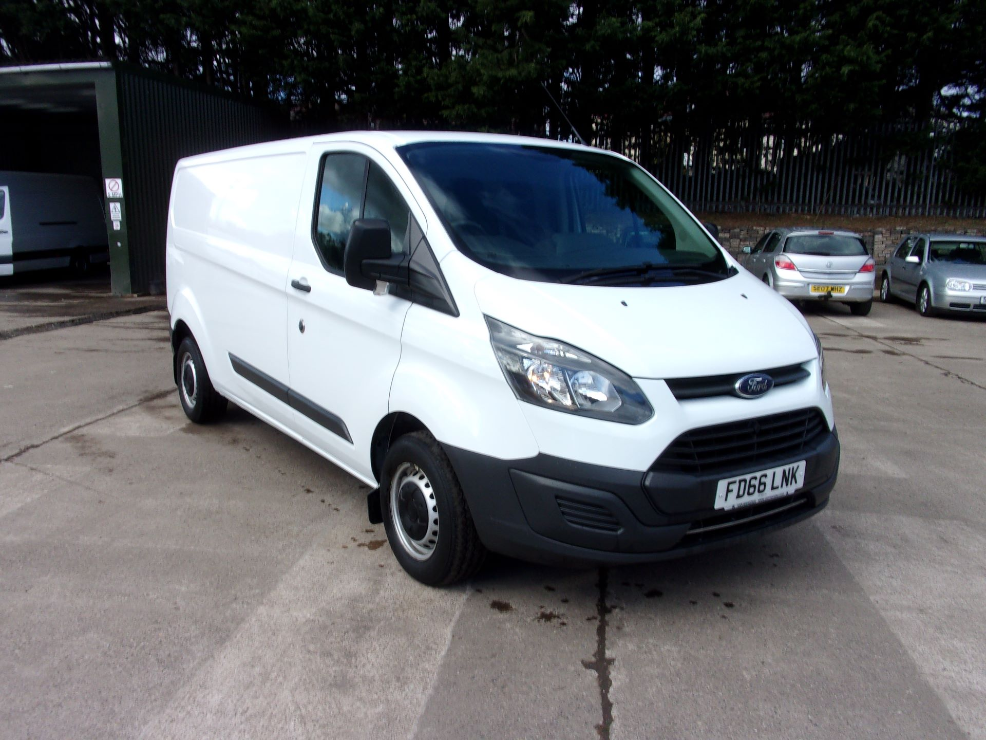 2016 Ford Transit Custom 290 L2 DIESEL FWD 2.0 TDCI 105PS LOW ROOF VAN EURO 6 (FD66LNK)