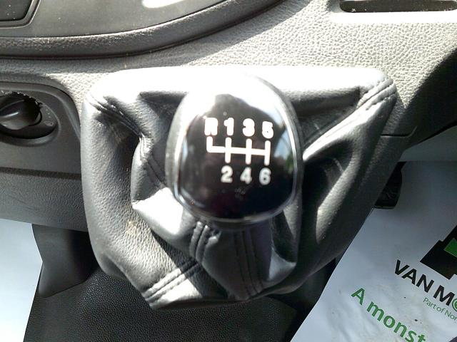 2016 Ford Transit 350 L3 DIESEL RWD 2.0 TDCI 130PS H3 VAN EURO 6 (FD66LNT) Image 4
