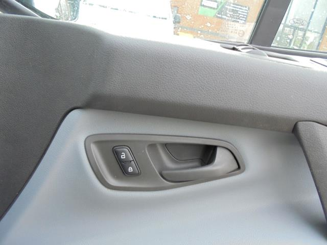 2016 Ford Transit Custom 2.0 Tdci 105Ps Low Roof D/Cab Van (FD66LVB) Image 6