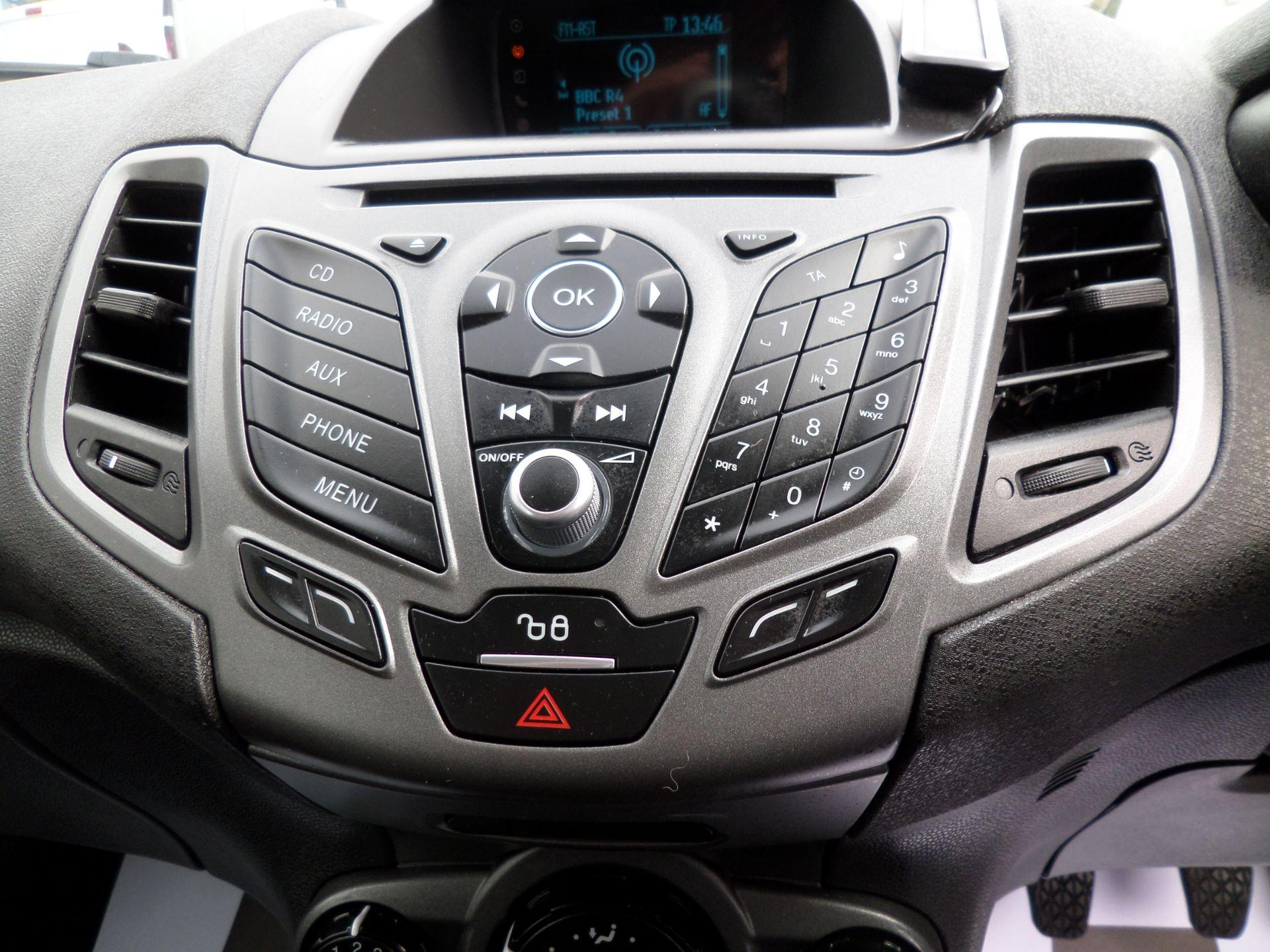 2016 Ford Fiesta 1.5 Tdci Van Euro 6 ( 80MPH LIMITED) (FD66LYW) Image 13