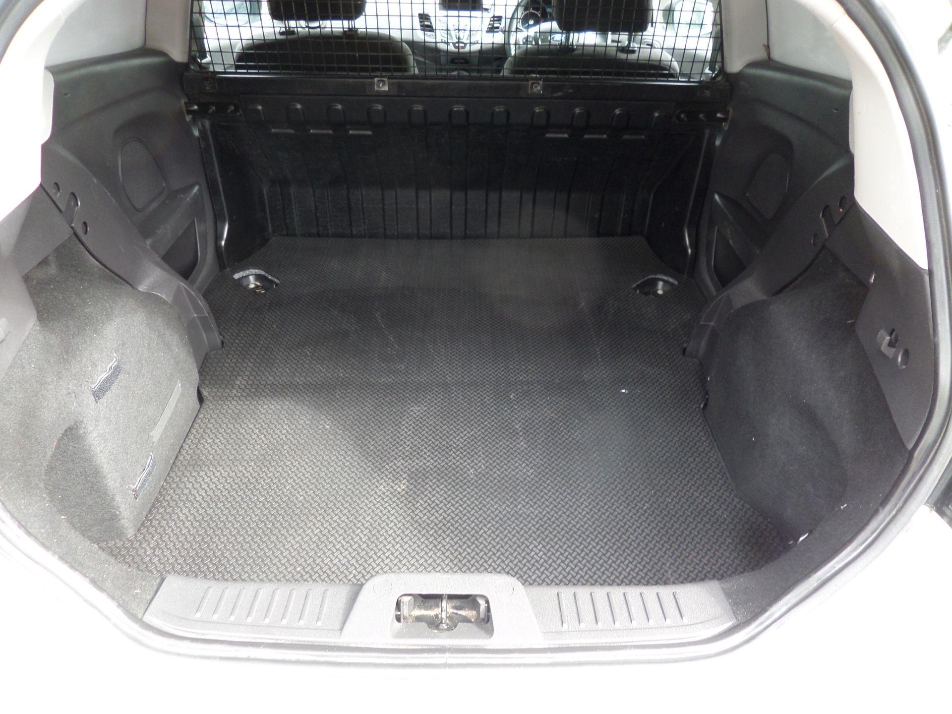2016 Ford Fiesta 1.5 Tdci Van Euro 6 ( 80MPH LIMITED) (FD66LYW) Image 5