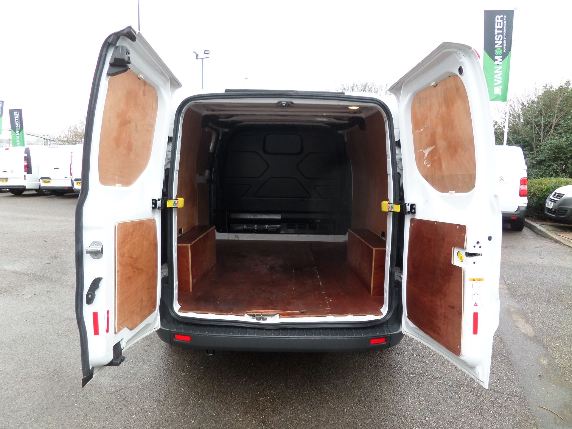2016 Ford Transit Custom 2.0 Tdci 105Ps Low Roof Van Euro 6 (FD66MFY) Image 4