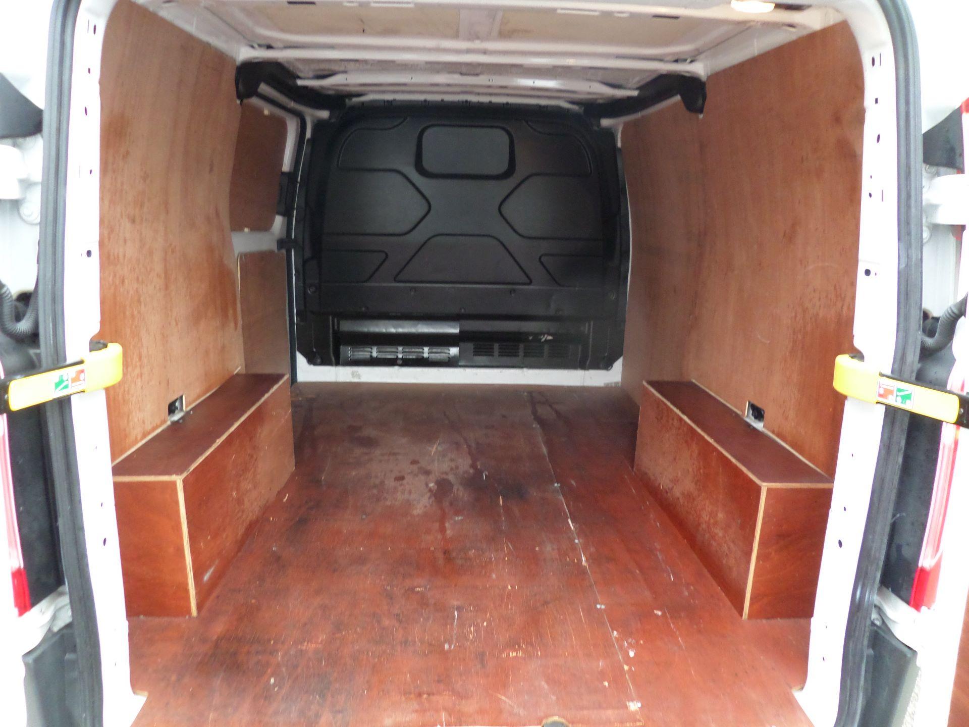 2016 Ford Transit Custom 2.0 Tdci 105Ps Low Roof Van Euro 6 (FD66MFY) Image 5