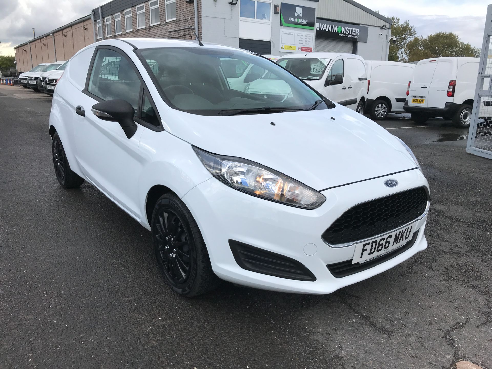 2016 Ford Fiesta 1.5TDCI 75PS EURO 6, AIR CON (FD66MKU)
