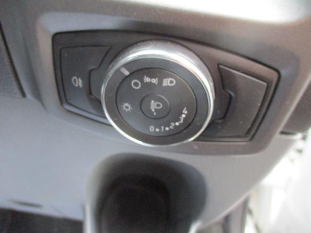 2016 Ford Transit Custom  290 L1 DIESEL FWD 2.0 TDCI 105PS LOW ROOF VAN EURO 6 (FD66MKX) Image 18