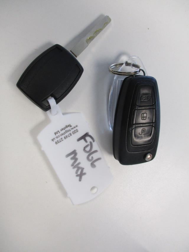 2016 Ford Transit Custom  290 L1 DIESEL FWD 2.0 TDCI 105PS LOW ROOF VAN EURO 6 (FD66MKX) Image 27