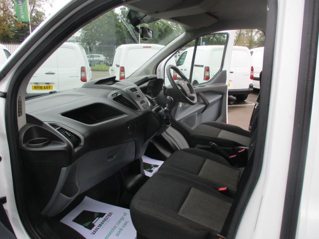 2016 Ford Transit Custom  290 L1 DIESEL FWD 2.0 TDCI 105PS LOW ROOF VAN EURO 6 (FD66MKX) Image 16
