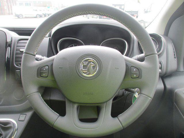 2017 Vauxhall Vivaro 2700 1.6 CDTI 120 PS SPORTIVE VAN (FD67RKV) Image 17