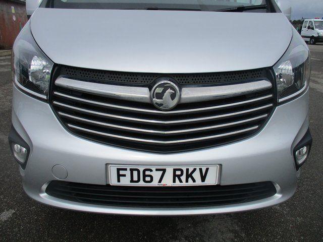 2017 Vauxhall Vivaro 2700 1.6 CDTI 120 PS SPORTIVE VAN (FD67RKV) Image 4